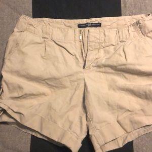 GAP Shorts - Gap khaki shorts, size 4